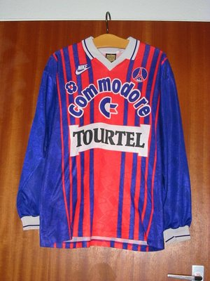 PES 2009 no Calcio e outras camisetas de futebol gamers